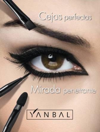 Como maquillar los ojos cielo a la tierra - Como pintarse los ojos de negro ...