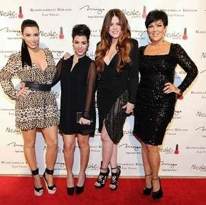 kardashians-dismiss-claim-that-khloe-kardashian-is-not-robert