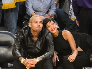 chris-brown-rihanna-lakers-game-4-600x450