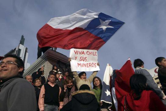 mineros-chile-02-1040vm0823