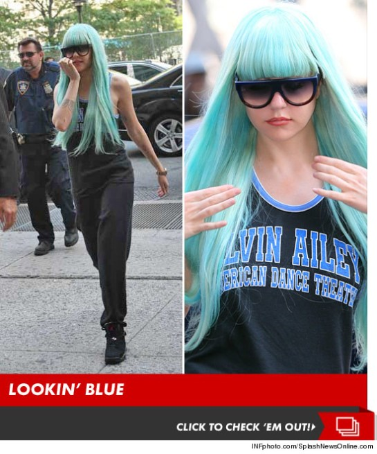 amanda-bynes-blue-wig-court-launch-splash-v2-4