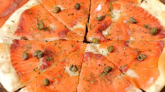 pizza-salmon-ahumado-613x342